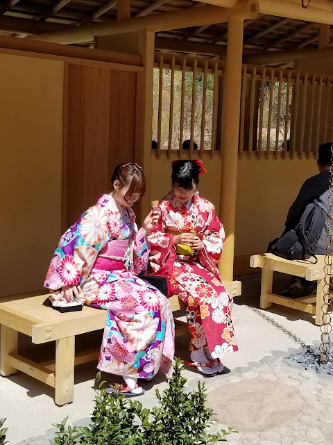 Maikos, Fushimi Inari, Templo, Santuario, Senbon Torii, dios Inari, Sintoismo, Kyoto, Kioto, Japón, Japan, Viaje a Japón, Elisa N, Blog Viajes, Lifestyle, Travel, TravelBlogger, Blog Turismo, Viajes, Fotos, Blog LifeStyle, Elisa Argentina