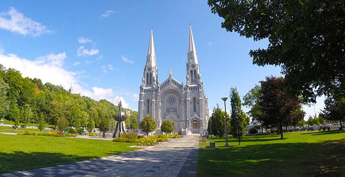 Chute-Montmorency, Hotel de Glace, Île d'Orléans, Quebec, Sainte-Anne-de-Beaupré, que hacer en Quebec,cascadas de montmorency, basílica de sainte-anne-de-beaupré