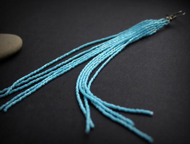 купить длинные серьги к голубым глазам оригинальные украшения из бисера интернет магазин