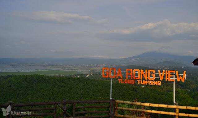 Pemandangan Goa Rong