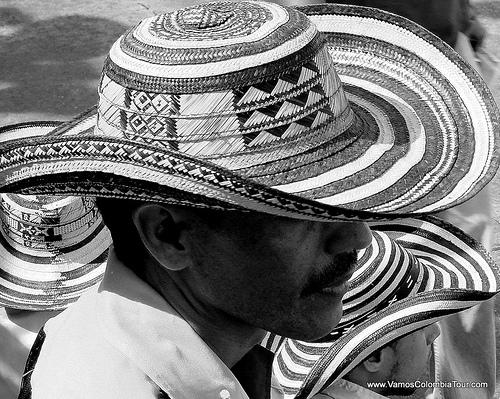 Desde hace más de 300 años el Sombrero Vueltiao se ha fabricado en la Costa  Caribe por indígenas Zenú 903f16476ef