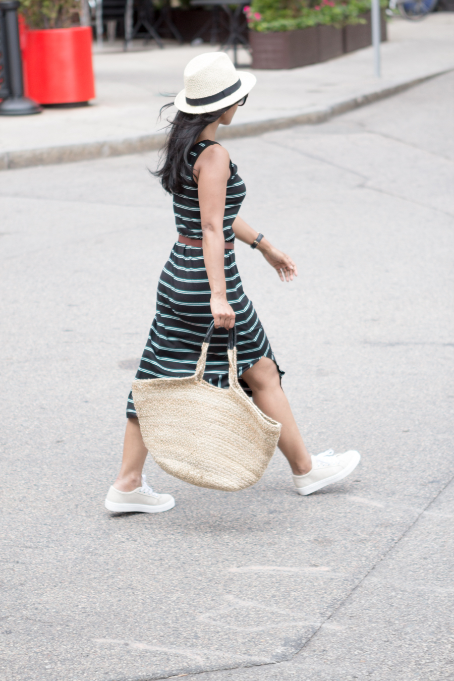 stripes, summer style, sleeveless dress, tank dress, sneakers, platform, casual outfit, petite fashion, uniqlo