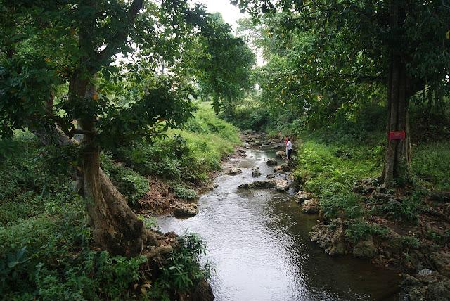 Aliran sungai di pinggir Wana Wisata Dander Bojonegoro