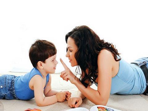 Trẻ tò mò về giới tính, cha mẹ cần giáo dục theo nguyên tắc nào? -3