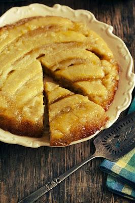 Ciasto bananowo-karmelowe na odwrót (upside-down cake)
