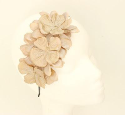 PV 2017 - Coleccion Oro Duro 06 Diadema tocado flor