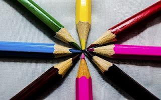 Colori a matita scuola