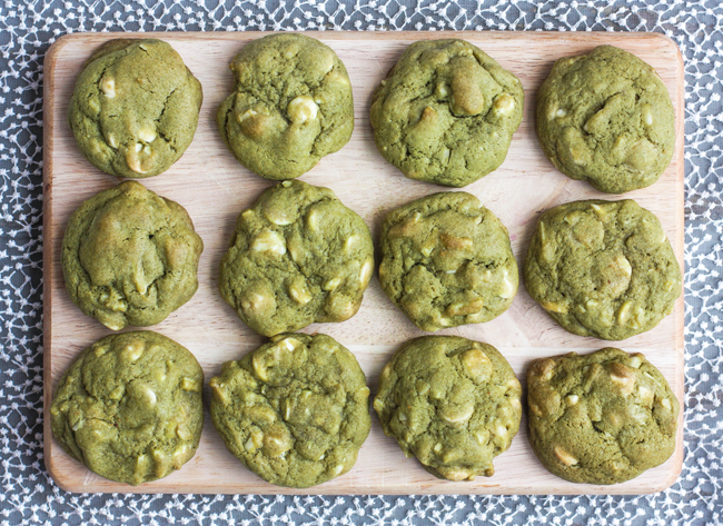 Green tea cookies with almond