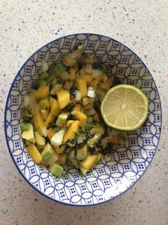 Añadir cilantro y lima
