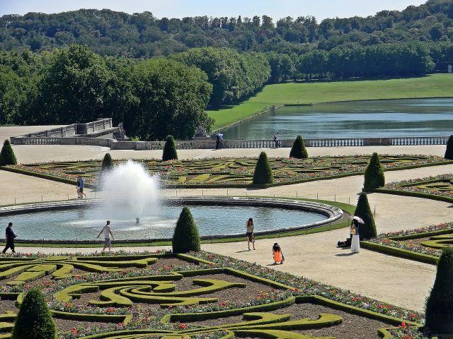 otoczenie pałacu, ogrody
