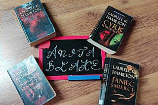"""10# """"Uśmiechnięty nieboszczyk"""" cykl Anita Blake tom 2"""