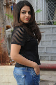 Wamiqa Gabbi stylish photo shoot-thumbnail-17