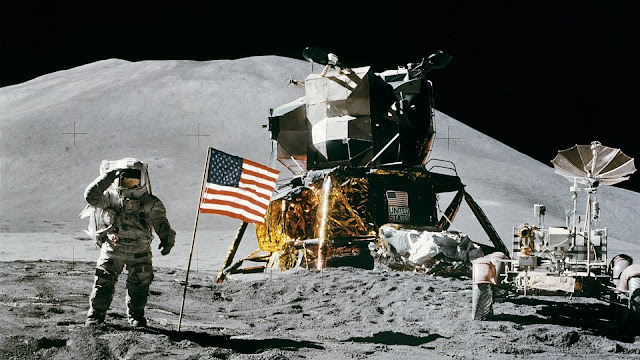 Pendaratan Di Bulan