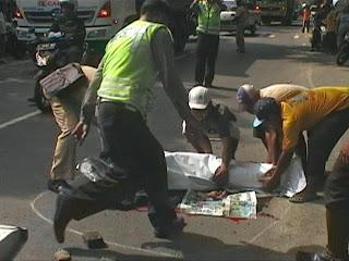 Kecelakaan Karambol, Guru SMP Meninggal Terlindas Truk