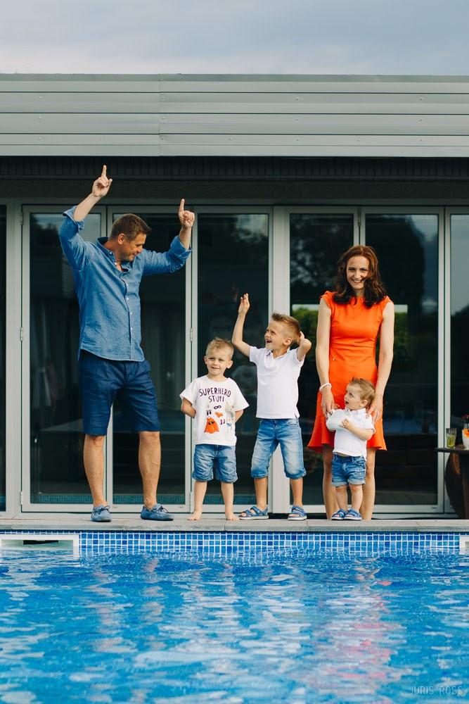 семейная фотосессия с детьми дома