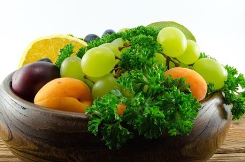 Kevesebb zsír és több gyümölcs fogyasztása csökkentheti a mellrák okozta halálozás kockázatát