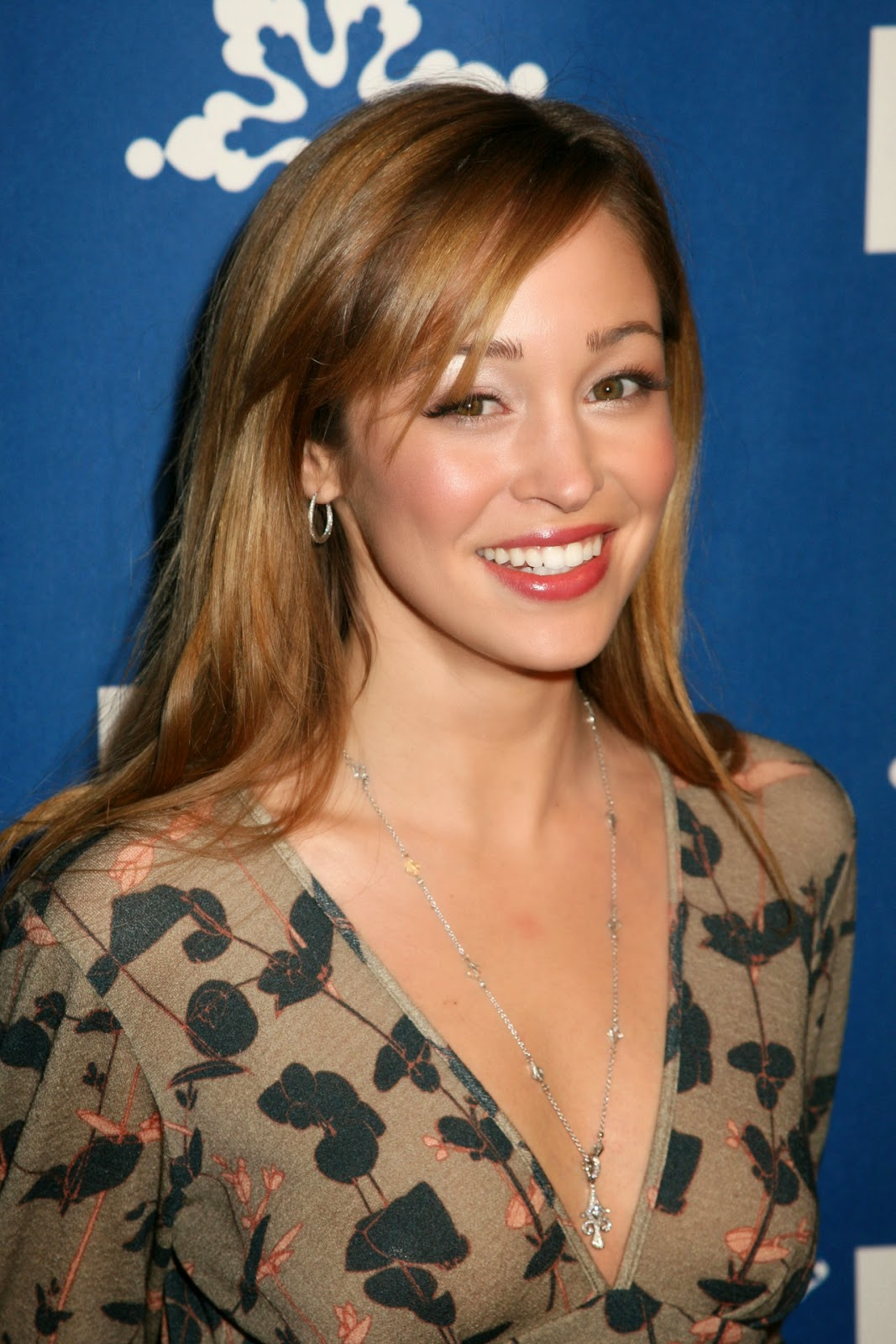 Hollywood Actress Wallpaper: Autumn Reeser HD Wallpapers