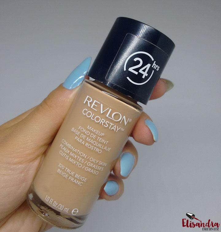 9f5eedf4a9fdd A base da Revlon Colorstay que tenho é Oily Skin, ou seja, para peles  normais a oleosas, e também possui uma opção para peles secas. e promete  cobertura ...