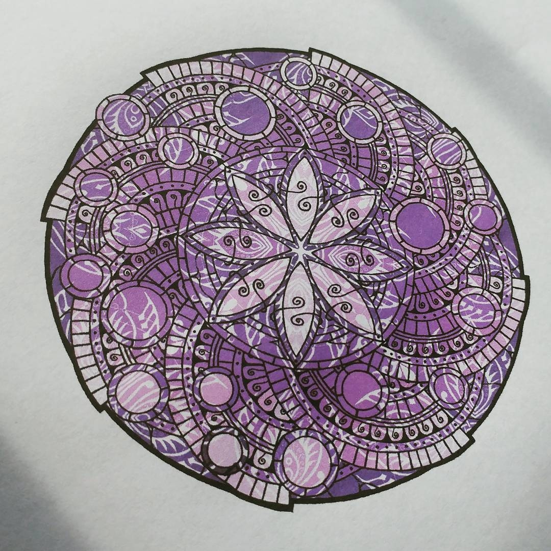 04-Jody-Romero-Symmetry-Balance-and-Harmony-in-Mandala-Drawings-www-designstack-co