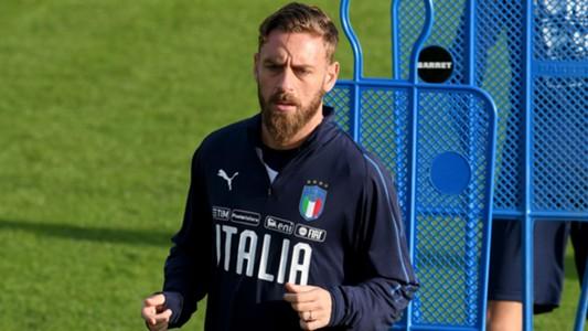 Daniele De Rossi Senang Tidak Lawan Ibrahimovic Lagi