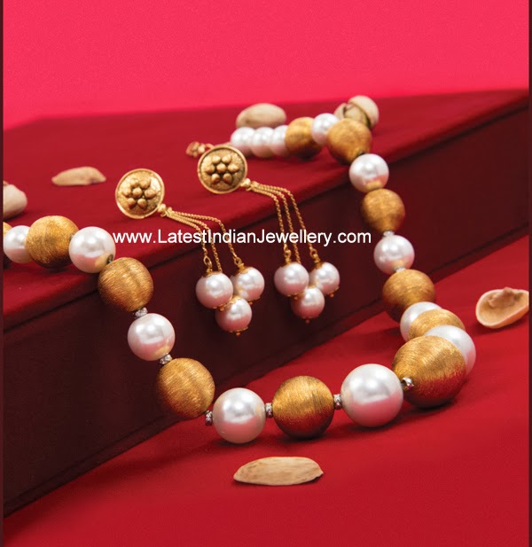 Stylish Pearls Gold Beads Set