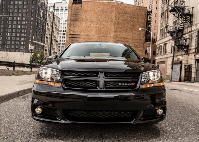 2013 Dodge Avenger Blacktop Edition Front View