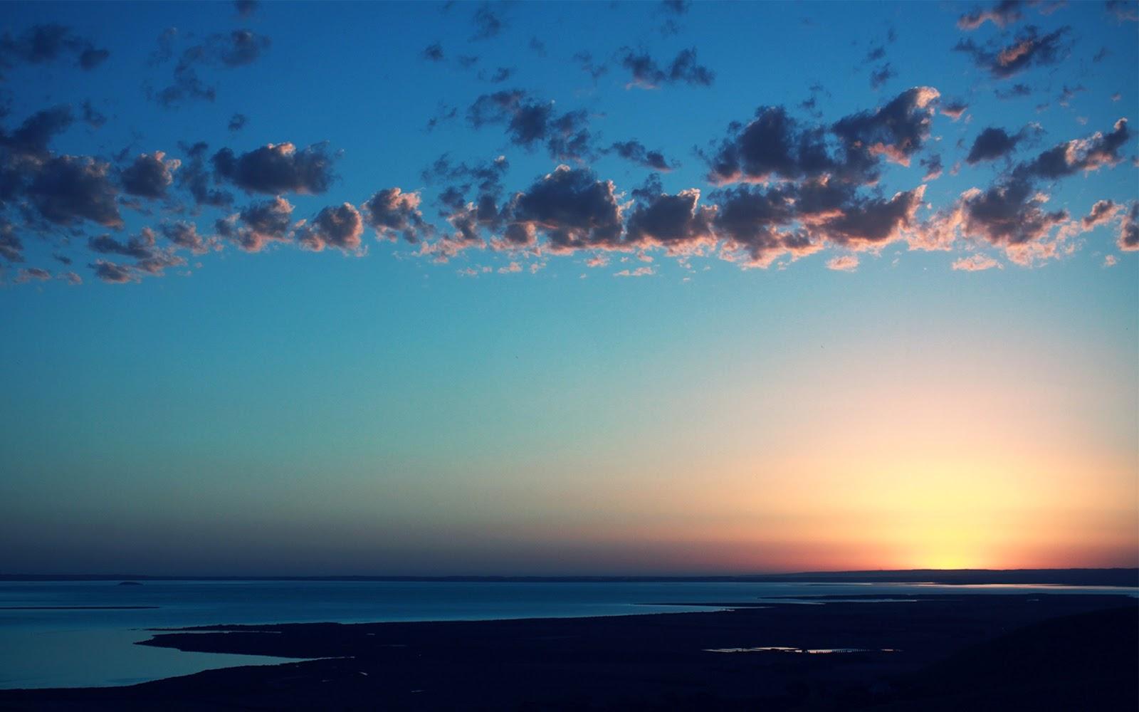 Красочные и яркие закаты на море  прекрасные фотографии и