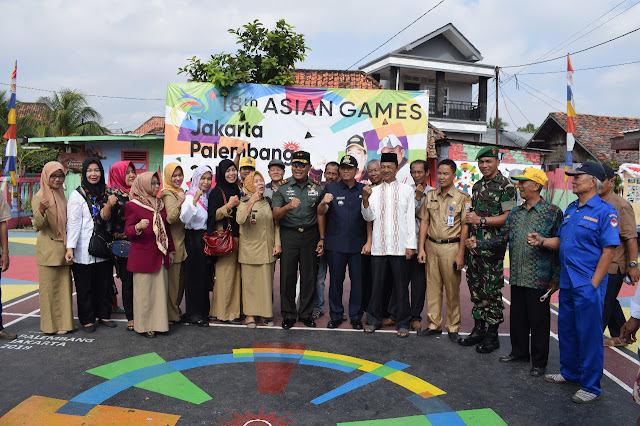 Pangdam II/Sriwijaya Motifasi Atas Inofasi Kampung Cempaka Warna Warni