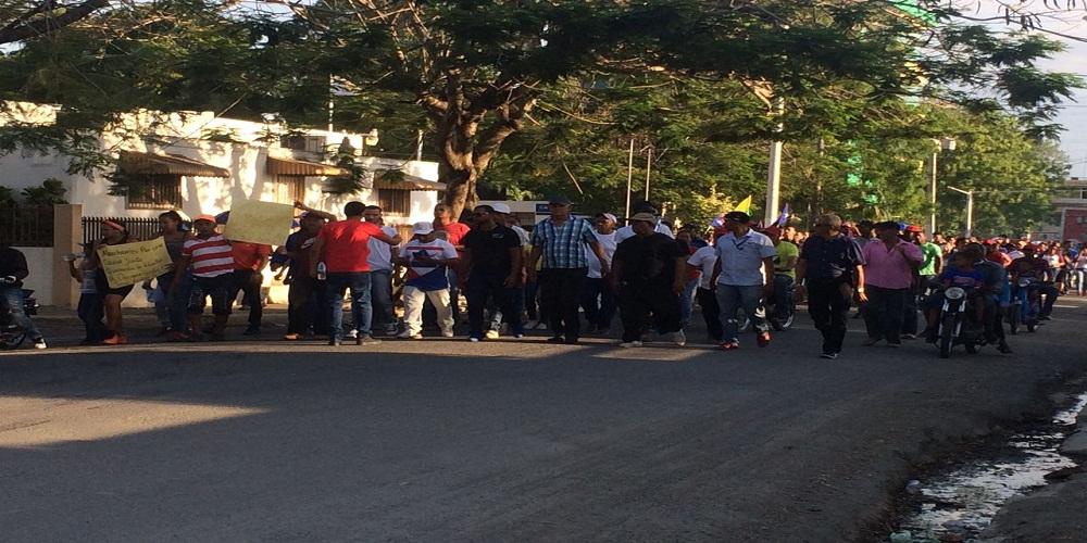 CIENTOS DE PERSONAS MARCHAN ESTA TARDE RECLAMANDO LIBERTAD