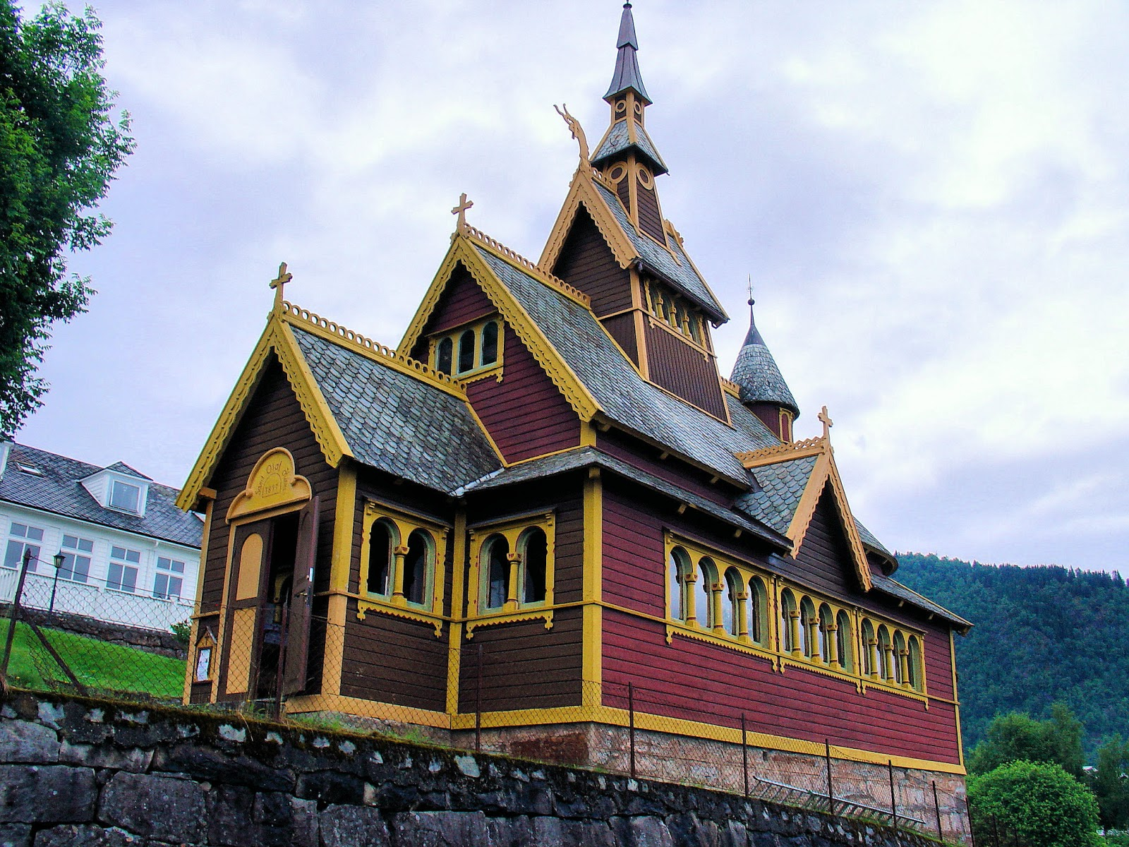 The English Church in Balestrand was built at the request of Knut Kvikne's wife who was a English reverend's daughter. Sadly she passed before the church's completion in 1897.