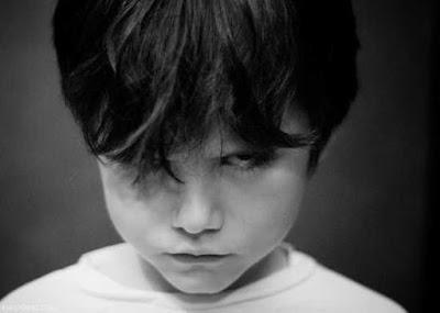 طفل,توحّد,تنبؤات,مستقبل,مخيف