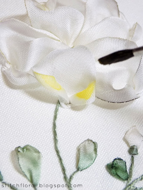 Coloring ribbon embroidery with watercolors: tutorial