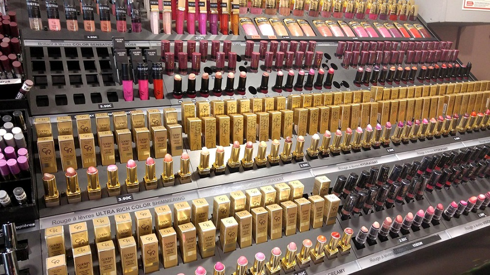 Cookie's Makeup : the store that sells Golden Rose cosmetics in Paris, France