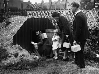 Καταφυγή σε βρετανικό καταφύγιο, στη διάρκεια του Β Παγκοσμίου Πολέμου