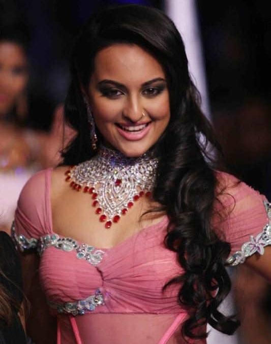 Actress Sonakshi Sinha Long Hair Stills In Pink Dress At Ramp Walk