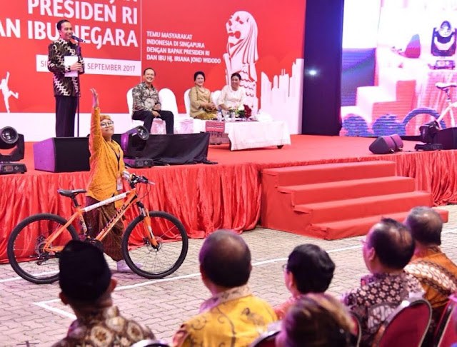 Bawaslu Larang Jokowi Bagi-bagi Sepeda di Masa Kampanye