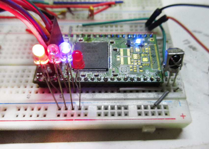 Embedded Engineering : Basic Frequency Meter with FPGA