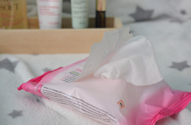 CadeaVera makeup remover wipes