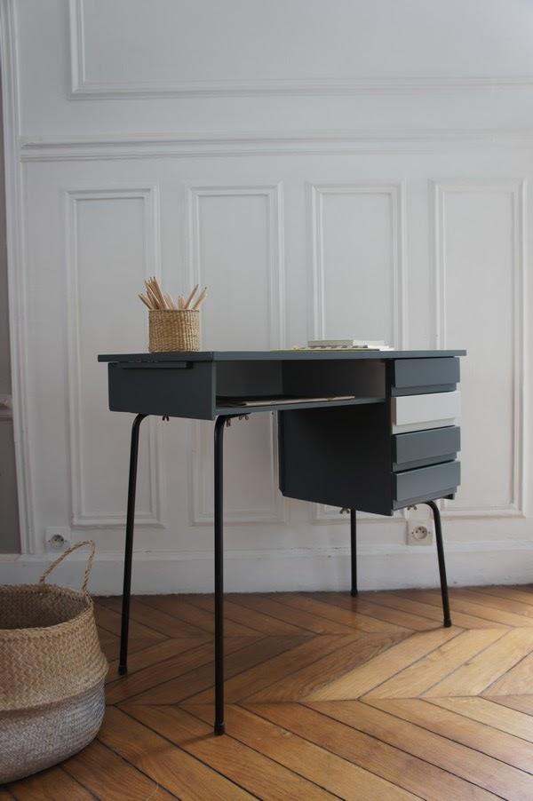 atelier petit toit des bureaux vintage pr ts emporter a retrouver sur. Black Bedroom Furniture Sets. Home Design Ideas