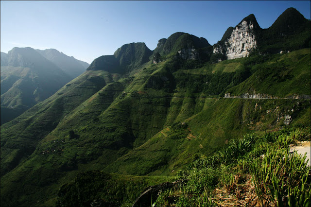 Spectacular scenery from Ma Pi Leng Pass