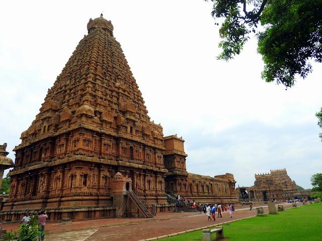 Brihadeeshwara Temple | Thanjavur (May 2016)