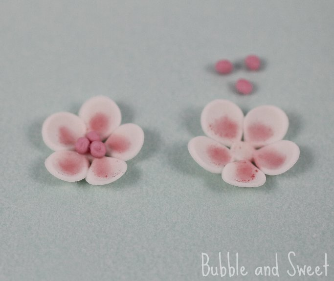 Bubble and sweet how to make simple sugar blossoms flowers from fondant mightylinksfo