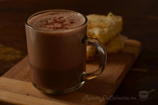 http://www.retetedecolectie.ro/2017/01/ciocolata-calda.html