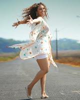 Seerath Kapoor Glam Photo from Run Raja Run HeyAndhra