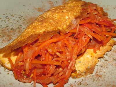 Omlet z farszem marchewkowym