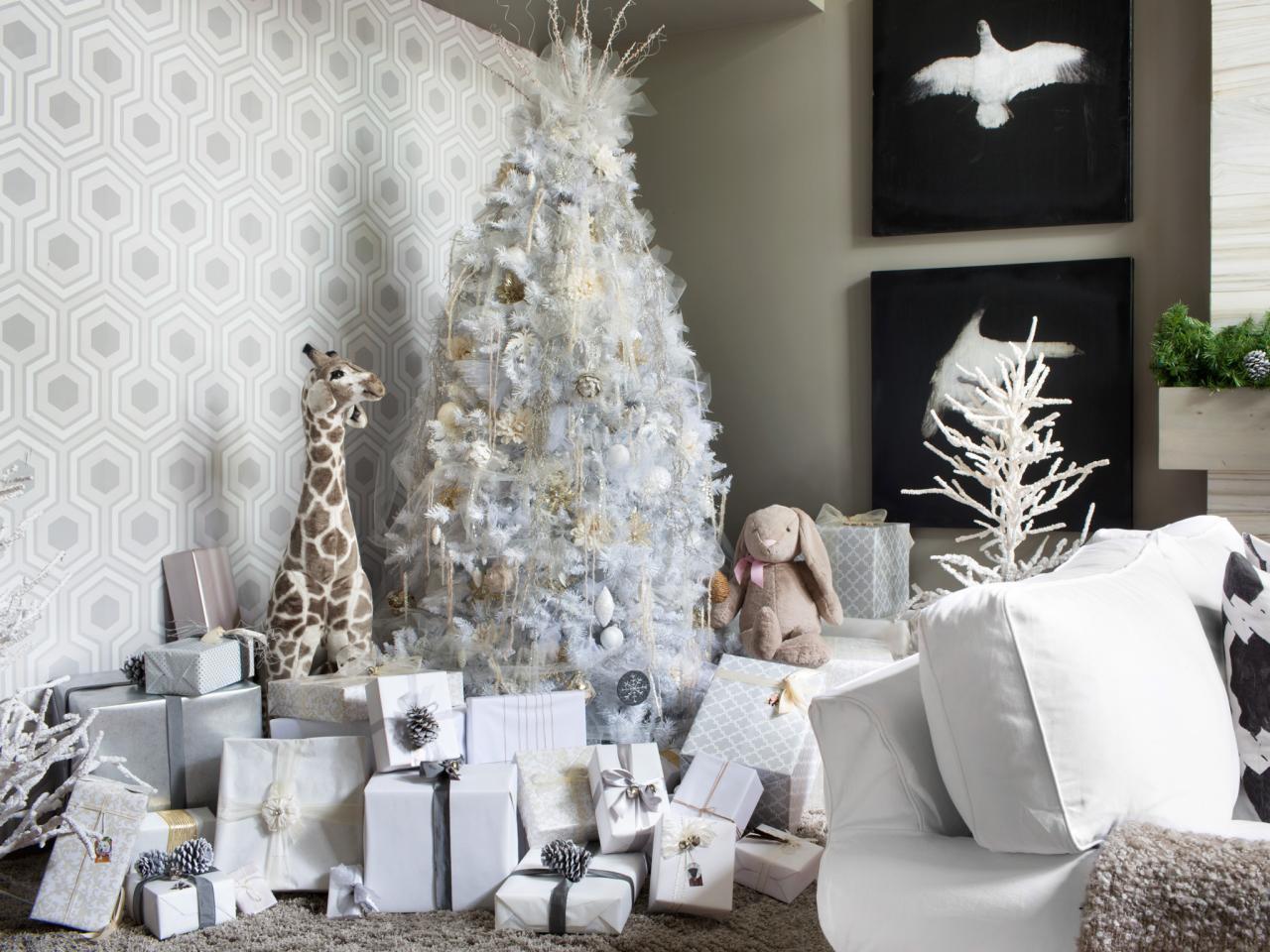scandinavian-swedish-style-christmas-decor-tree-beautiful-room