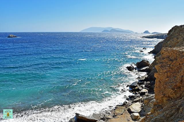 Playa Pountaki, isla de Folegandros (Grecia)