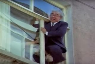 """Kendi işinizi kurmak istiyorsanız Mutemet Ali Rıza gibi cama çıkmalı ve """"İş Kurmak İstiyorum"""" diye haykırmalısınız."""