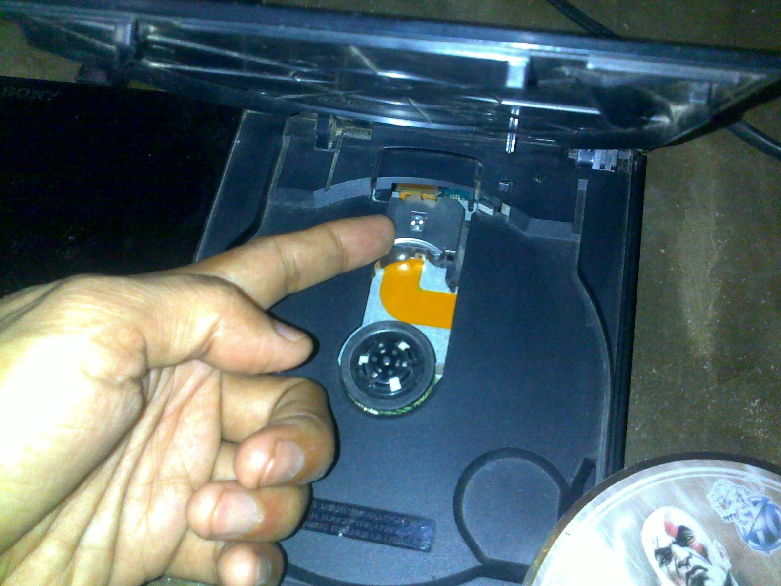 Optik PS2 Rusak Ganti Flashdisk untuk main game tanpa kaset