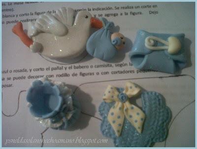 Tres-sencillos-Recuerdos- de-nacimiento-en-porcelana-fría